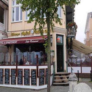 Bistro-Café 'täglich'