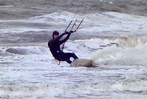 viel Wind für Kitesurfer